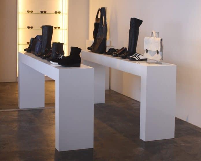 Custom display - bench